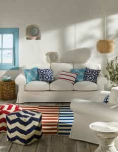 tendencia decoracion mediterraneo - sofa y estampados