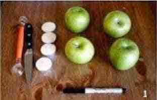 velas_aromaticas_con_manzanas_verdes