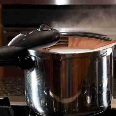 Conoce las ventajas de cocinar en la olla express
